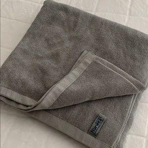 Norwex large bath towels